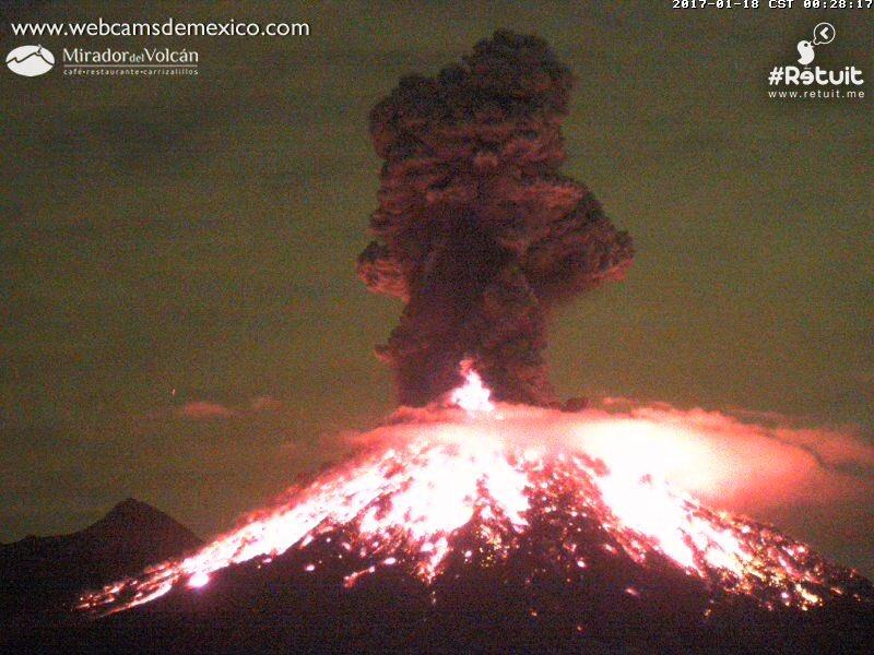 Explosión del Volcán de Colima