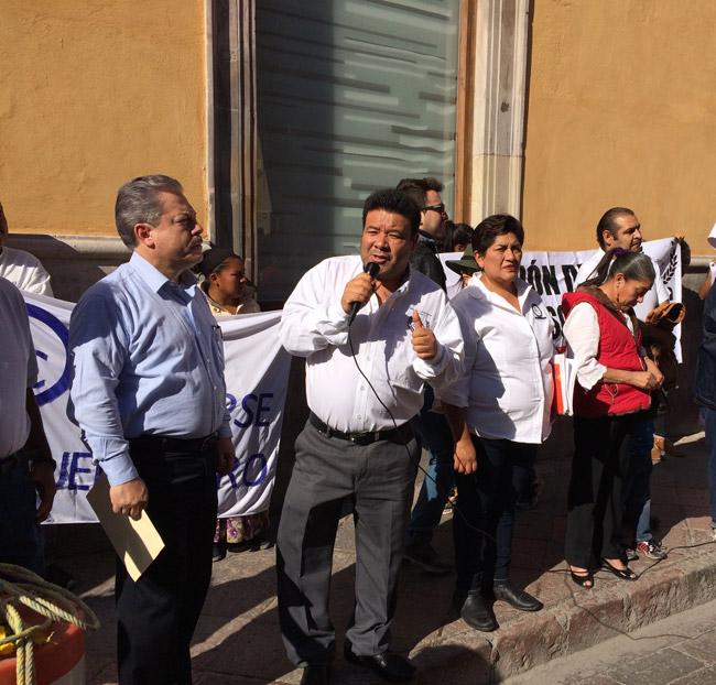 Diputados son agachones y pendejos, acusa Maldonado