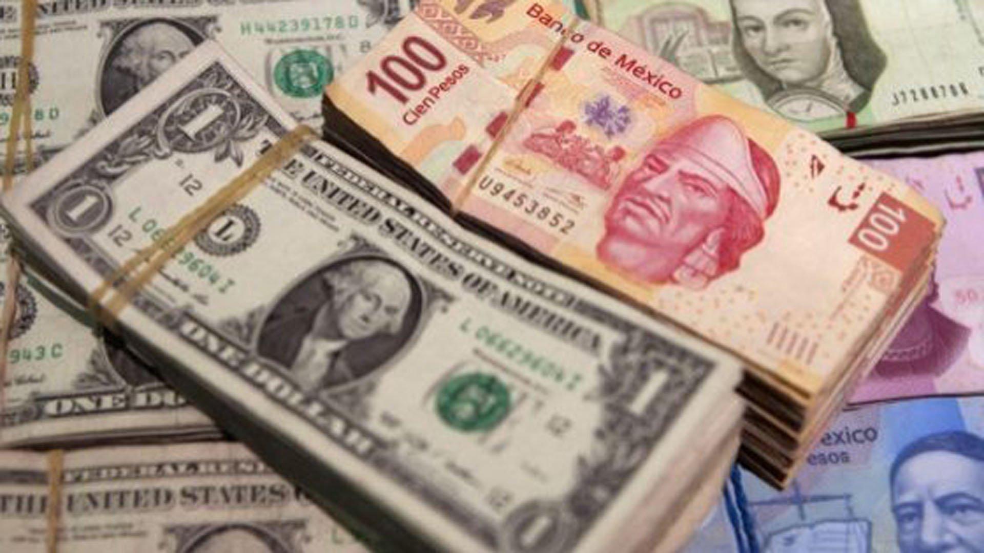 Dólar cotiza a la venta en 19.05 pesos en el AICM
