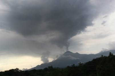 Autoridades atentas por actividad del volcán de Colima: Osorio Chong