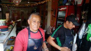 Demandante: Jesús Ríos, representante de los comerciantes de la Avenida Zaragoza, insiste en la necesidad de que las autoridades atiendan el tema de la seguridad en el Centro Histórico de la Ciudad y, especialmente, en su zona. FOTO: SERGIO A. VENEGAS ALARCÓN