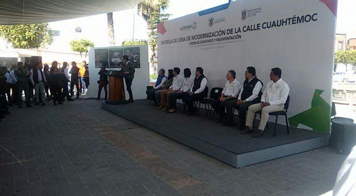 Entregan obras en Pedro Escobedo