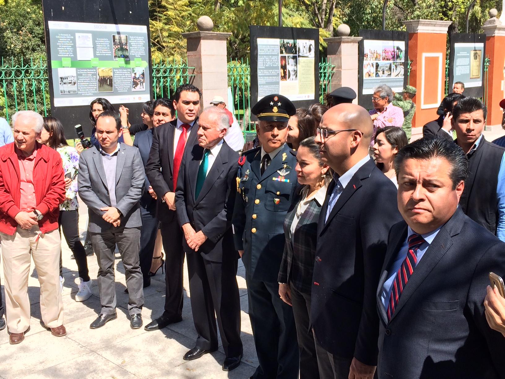 Inauguran delegados exposición en Alameda