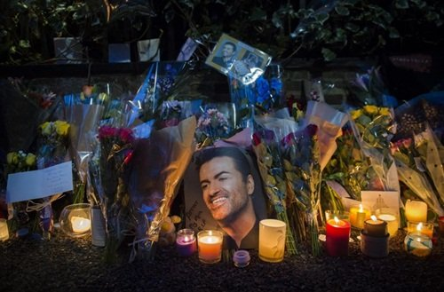 George Michael sigue sin ser enterrado