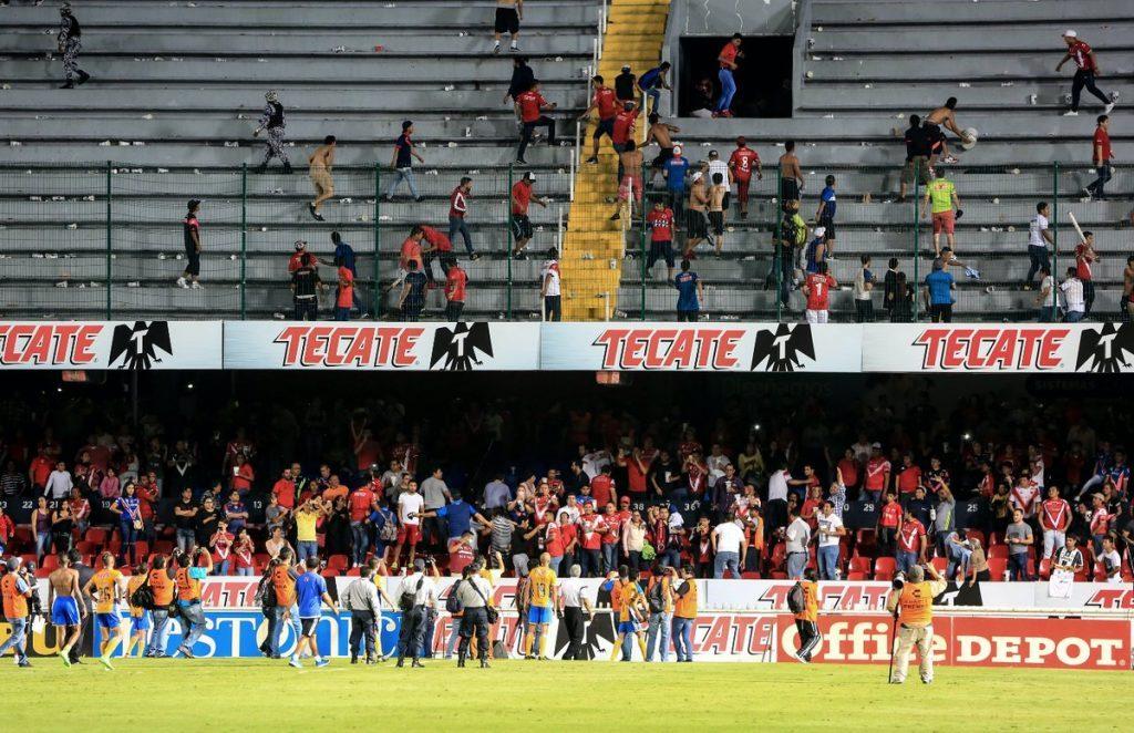 Vetan estadio de Veracruz y sancionan con dos partidos al Tuca Ferretti