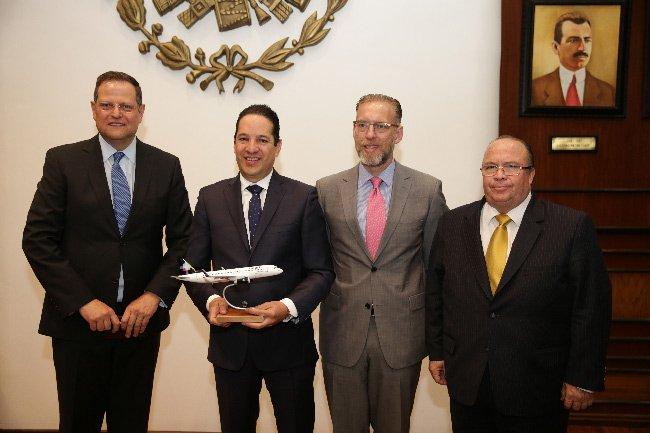 Presenta Volaris dos nuevos vuelos a Chicago y Los Ángeles, California