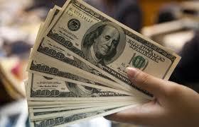 Dólar cierra semana hasta en 20.05 pesos a la venta