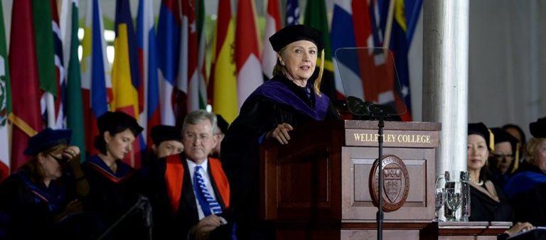 Trump terminará destituido: Hillary Clinton