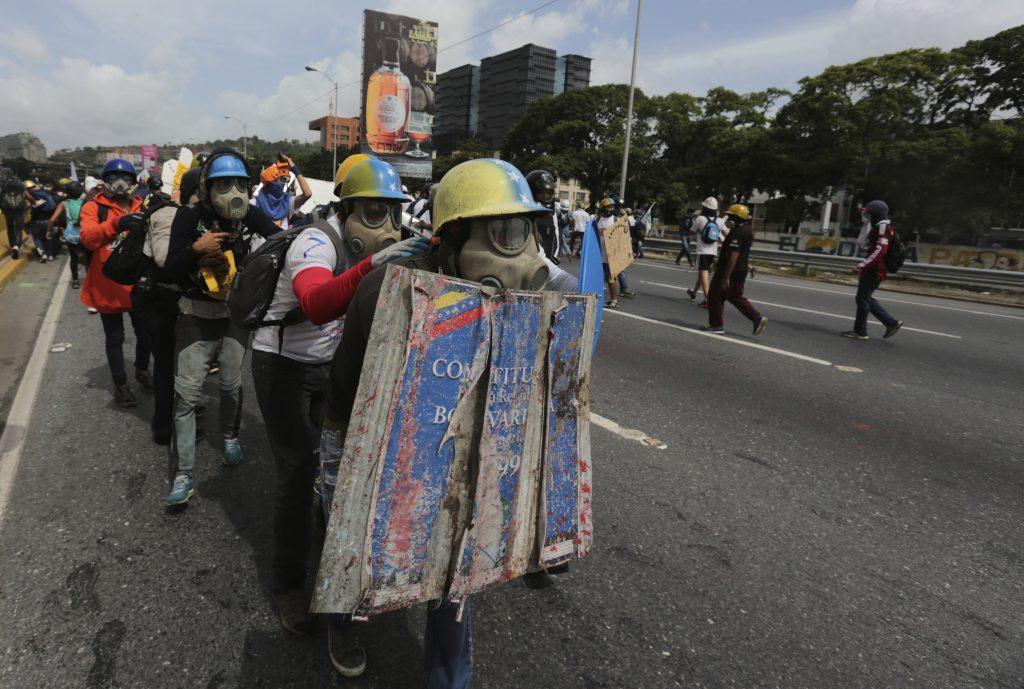 Gobierno de Maduro busca someter al pueblo con hambre