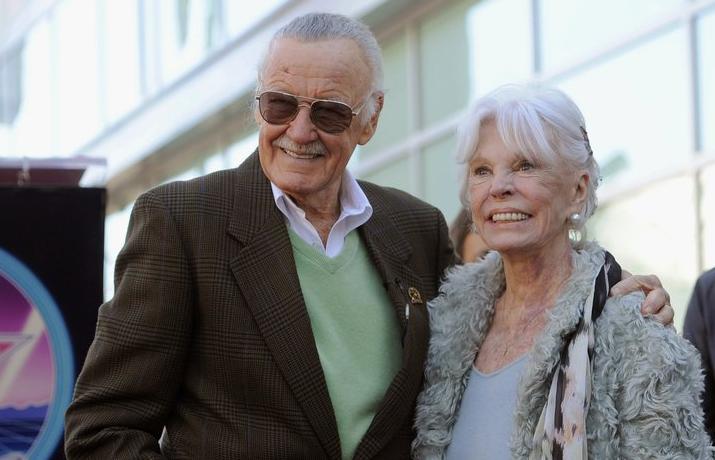 Murió la esposa de Stan Lee