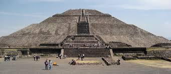 Descubren posible túnel bajo la Plaza y la Pirámide de la Luna, en Teotihuacán