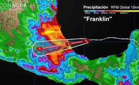 Franklin toca tierra en costas de Veracruz