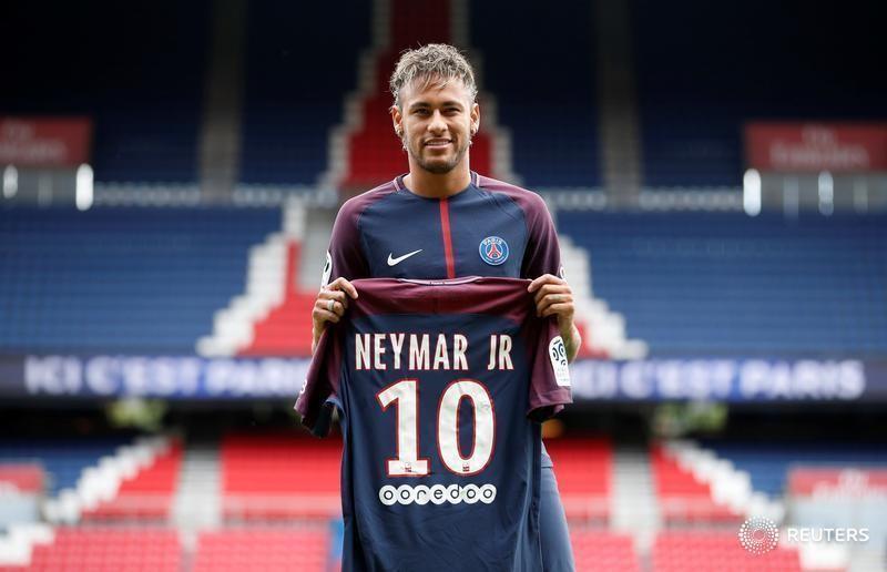Neymar recibe permiso para jugar con el PSG