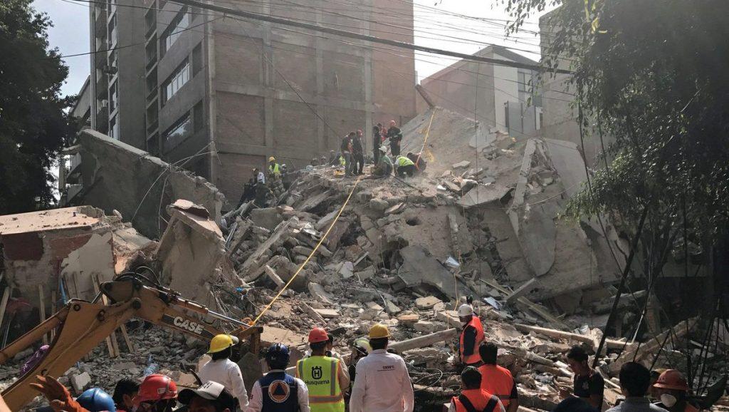 Suman 274 muertos tras sismo en México
