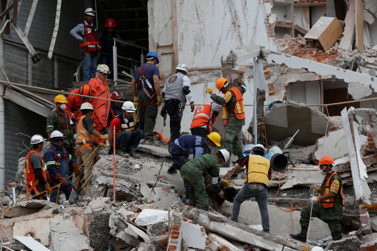 Saldo preliminar de 233 víctimas mortales por sismo: Protección Civil