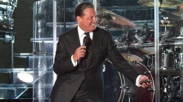 Luis Miguel regresa a la escena musical con 'mariachi'