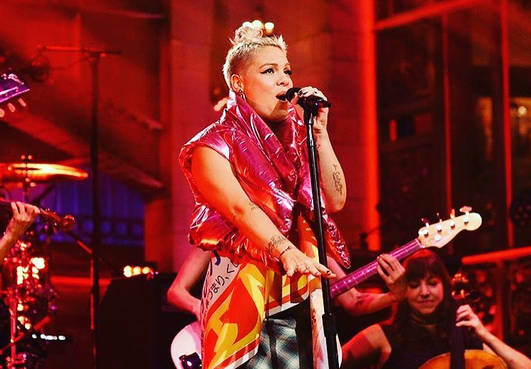 Pink entonará el himno de EEUU en el Super Bowl