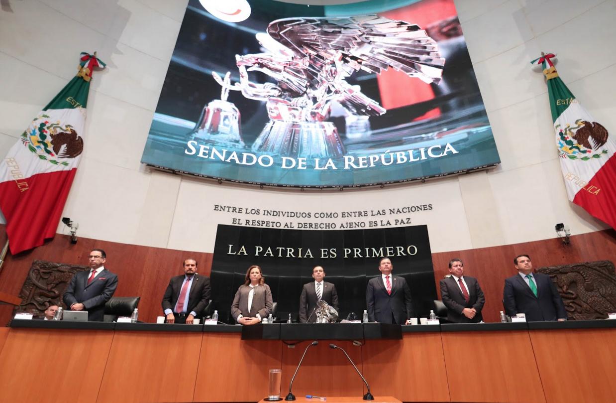 Busca Senado combatir el uso ilícito de atribuciones en el ejercicio del servicio público