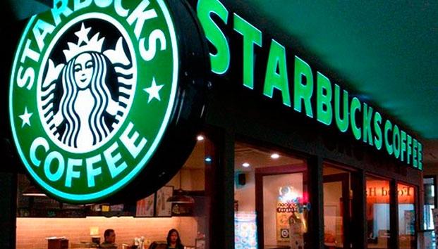 Starbucks debe llevar aviso sobre cáncer: juez de California