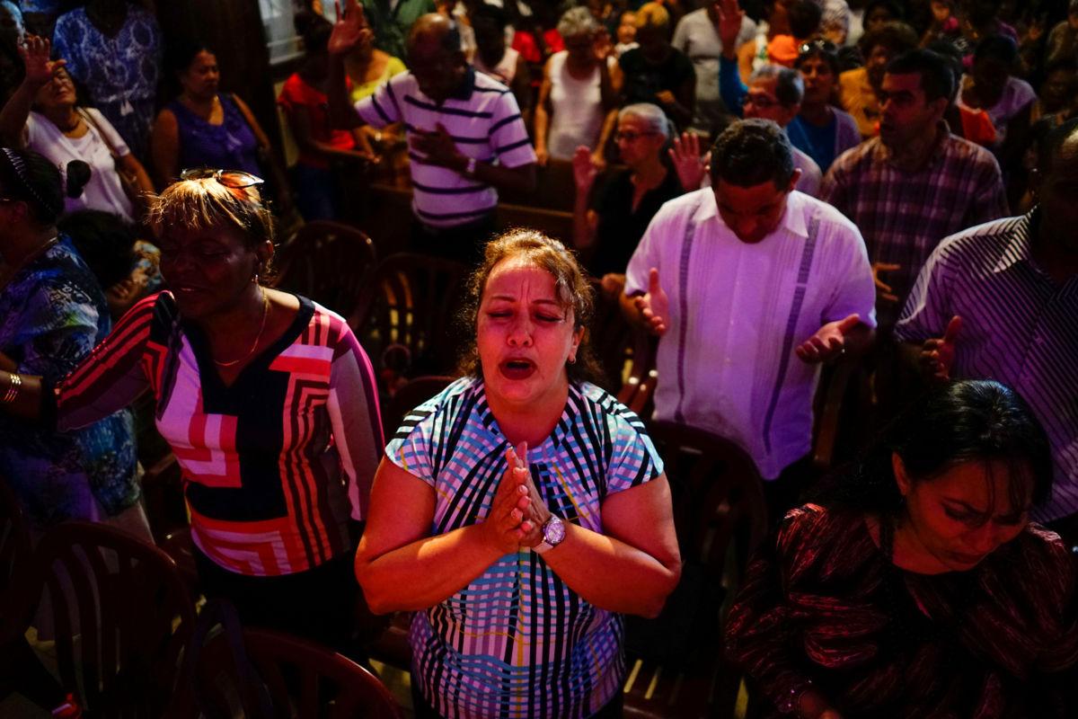 Inicia entierro de fallecidos tras avionazo en La Habana, Cuba