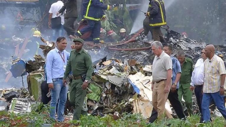 Inicia traslado de mexicanos muertos tras accidente aéreo en Cuba