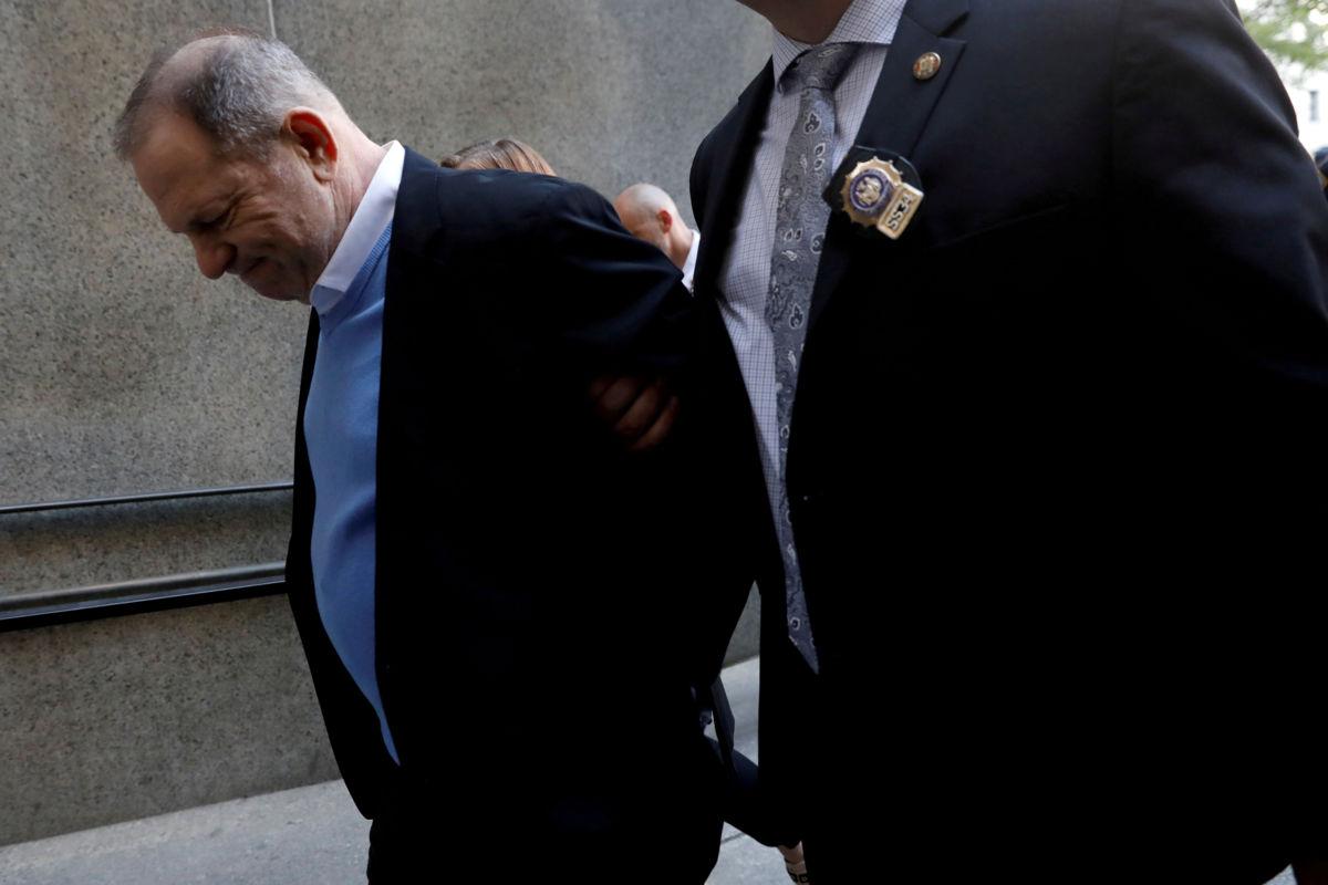 Jurado de Nueva York acusa formalmente de violación y agresión sexual a Weinstein