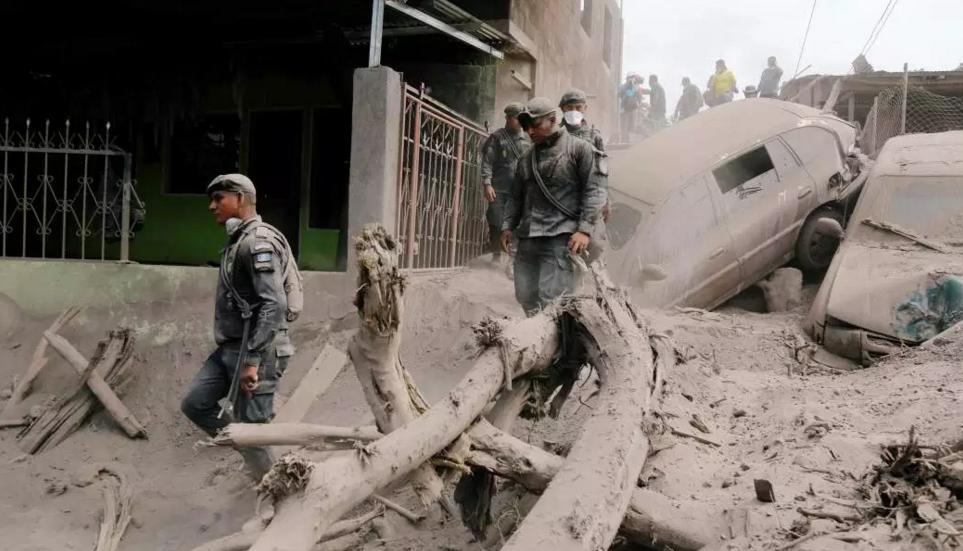 Van 75 muertos y 192 desaparecidos por erupción en Guatemala