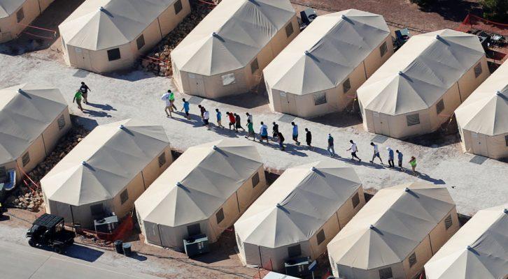 EEUU planea construir extensos campos de detención de inmigrantes