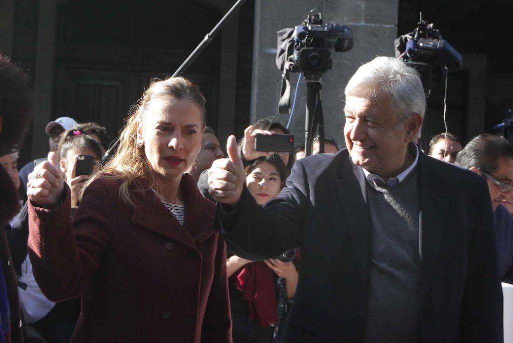 Se reúne López Obrador con militares