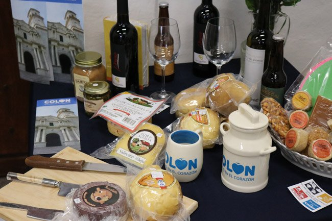 La exposición destaca por su variedad de artesanías, gastronomía y talleres de confección en lana FOTO: GOBIERNO DEL ESTADO