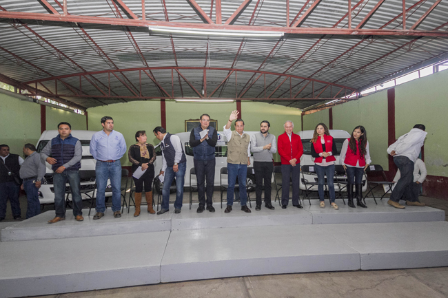 Entrega la Sedesol apoyos del Programa 3×1 para Migrantes