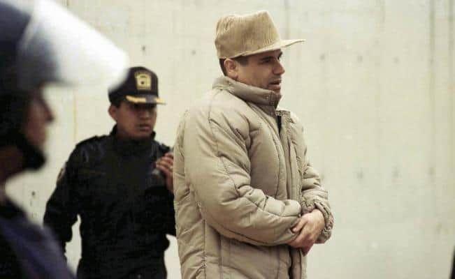 Jets, yate, casas de playa y un Zoológico: lujos de 'El Chapo' en los 90