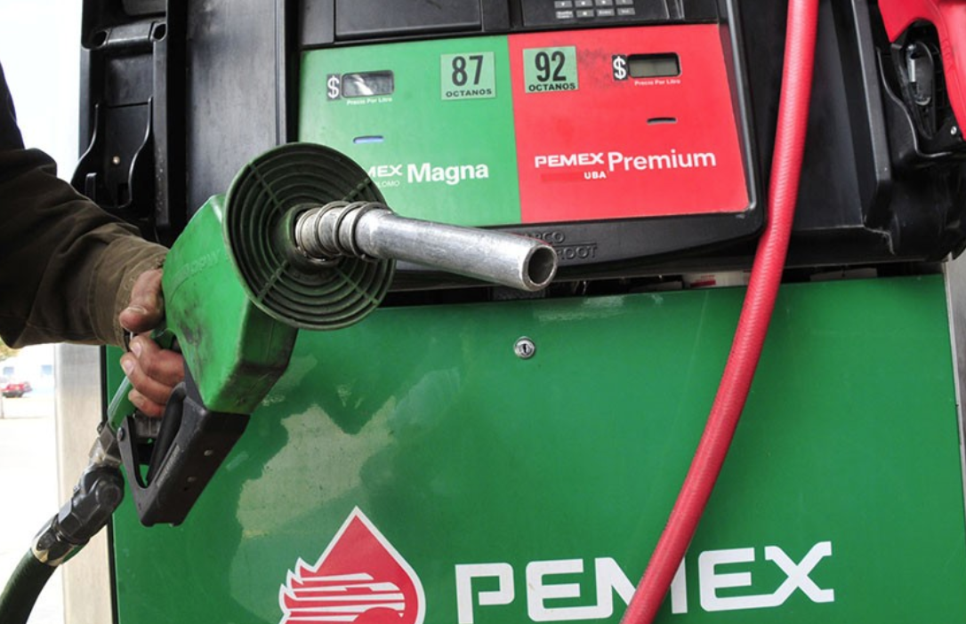 Pemex niega escasez de combustible; asegura que el abasto se restablecerá en breve